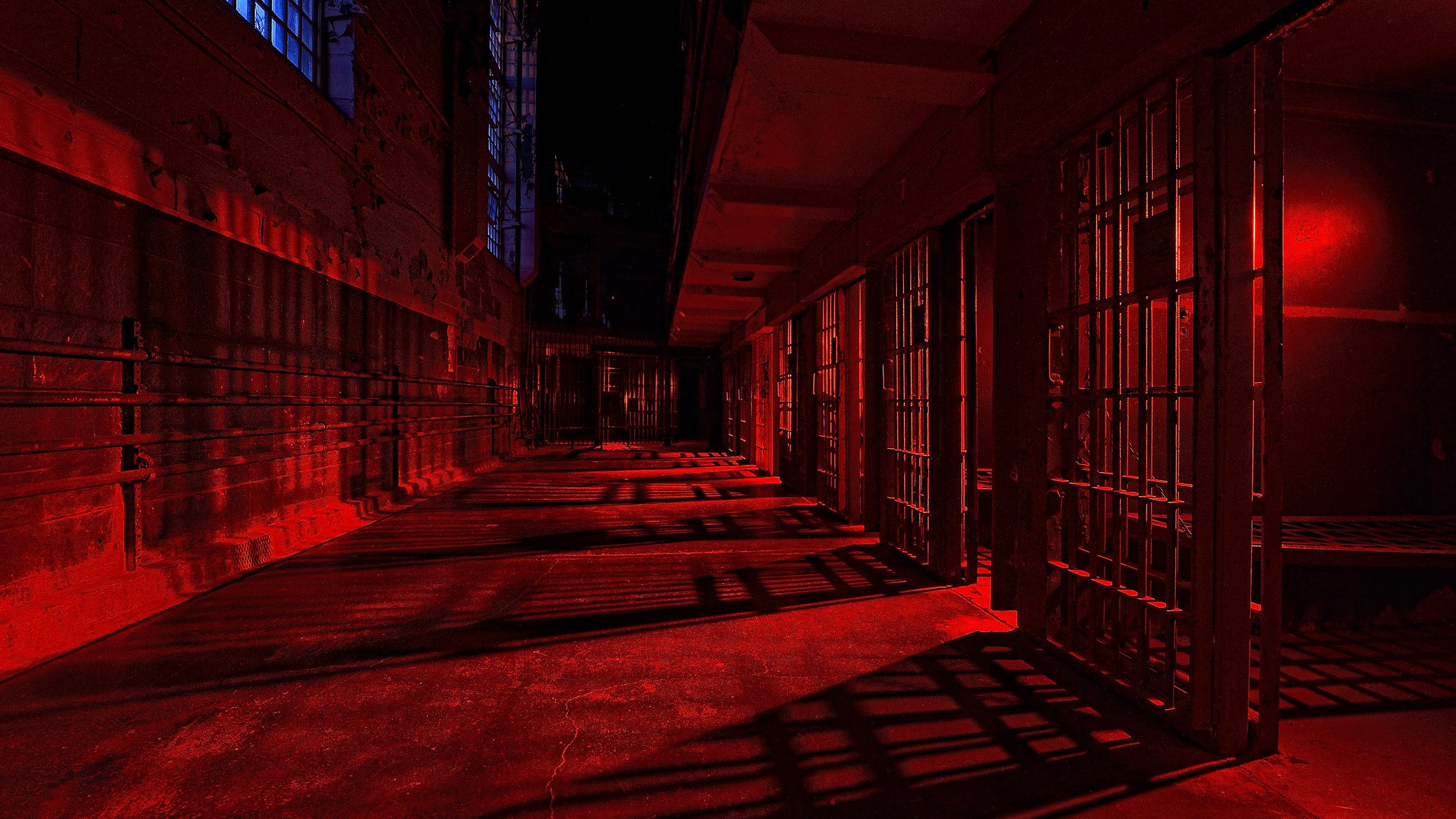 HEADER-7513_kenlee_2017-07-11_1840_west-virginia_moundsville_penitentiary_blockJandk_prisoncells-red_255sf8iso200_300dpi-HEADER-PHOTOFOCUS-MOUNDSVILLE